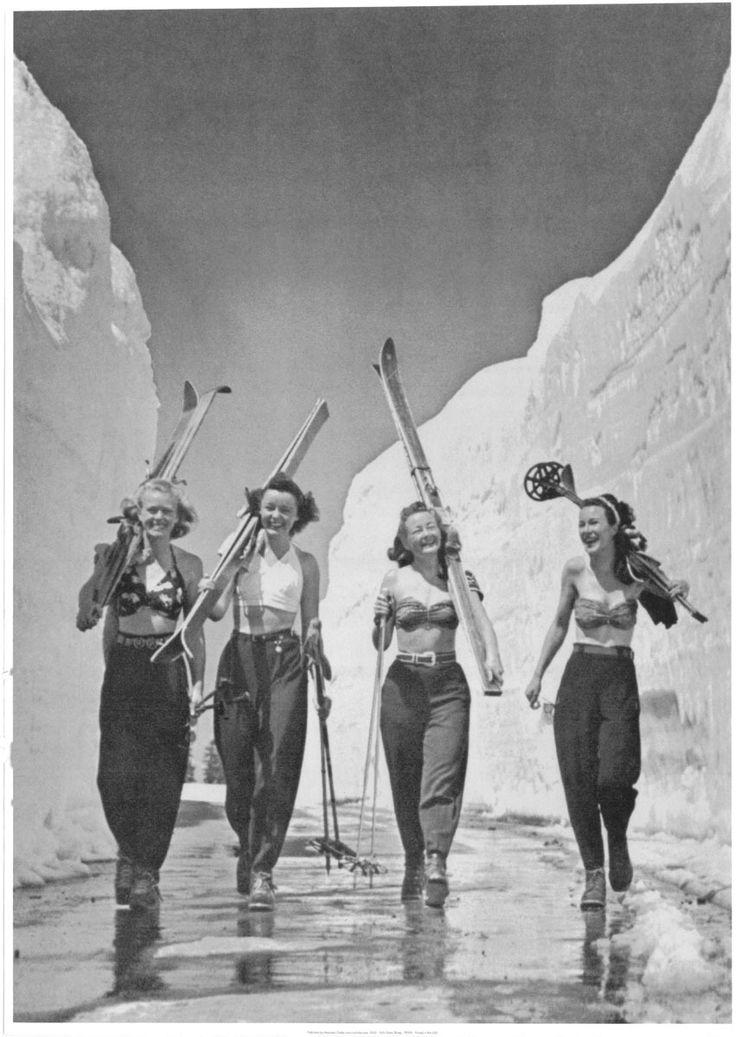 Skiing women