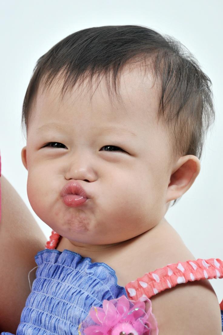 kiss me please......