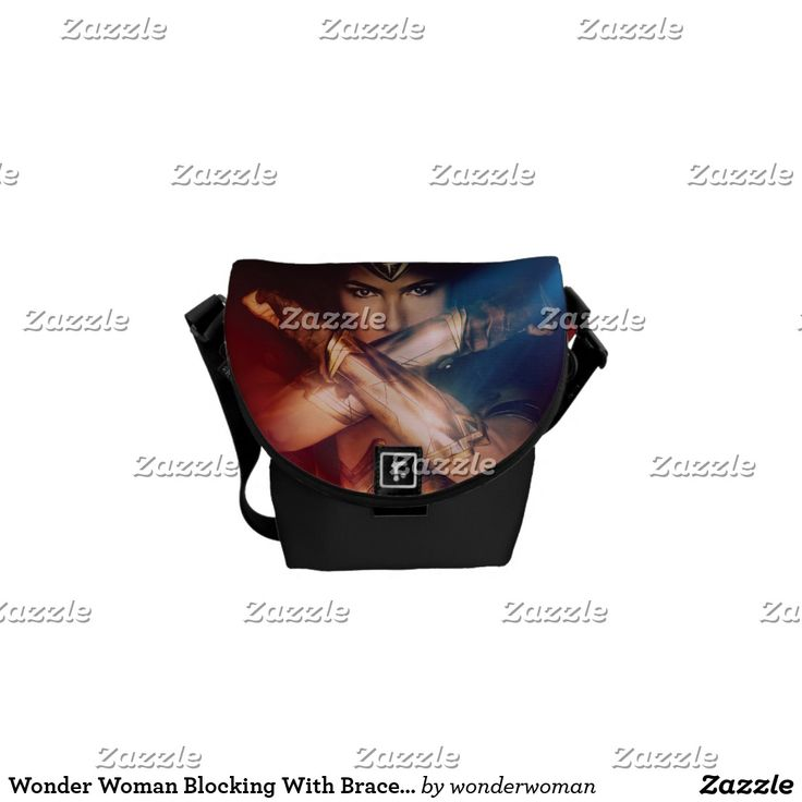 Wonder Woman Blocking With Bracelets Courier Bag. Producto disponible en tienda Zazzle. Accesorios, moda. Product available in Zazzle store. Fashion Accessories. Regalos, Gifts. #bolso #bag
