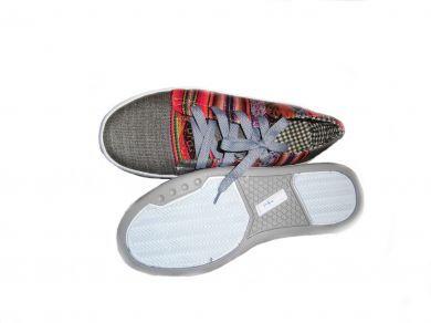 Trendy graue #Sneaker #Sportschuhe aus peruanischem #Mantastoff.