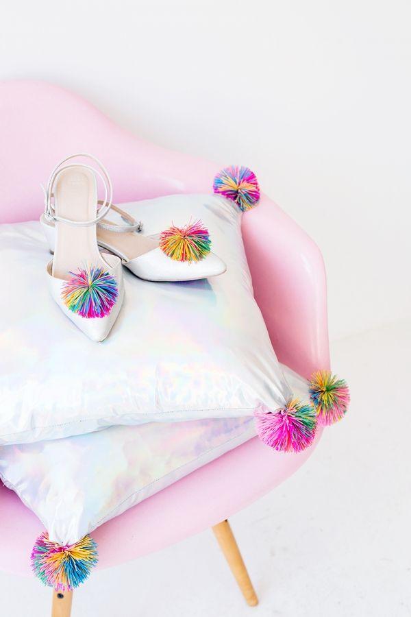 DIY Koosh Ball Pillows | studiodiy.com