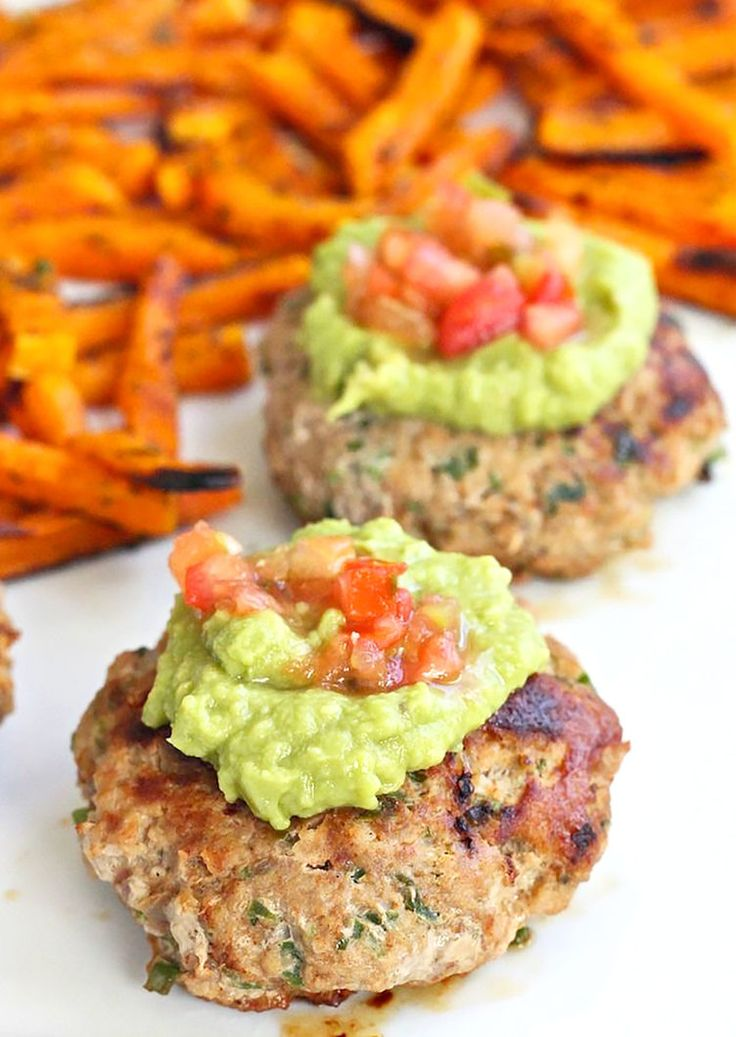 4. Jalapeño Turkey Burgers #whole30 #recipes http://greatist.com/eat/whole30-recipes-for-lunch