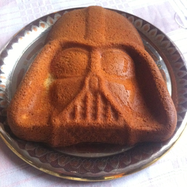 Of cause I made a cake on the 4th of may. May the 4th be with you!