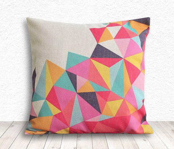 He encontrado este interesante anuncio de Etsy en https://www.etsy.com/es/listing/165373237/geometric-pillow-cover-pillow-cover