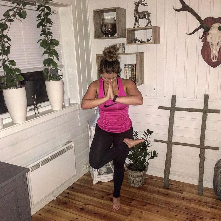 Tusen takk for en #amazing #yogatime #yogaclass #3t #orkanger #strong #3ttrening #exercise #practice #yoga #yogaeveryday #yogagood #yogaeverywhere #loveit #inspiration #motivation #yogaplay #yogainspiration #yogapose #lotus #avisast by ailinmidtsand