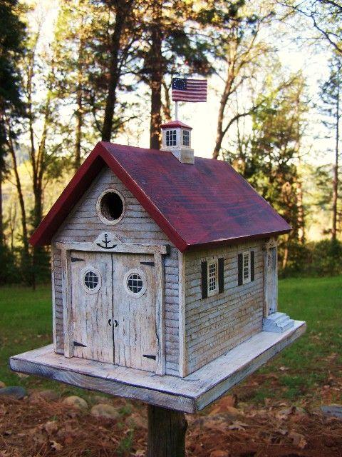 1826 best bird houses images on pinterest for Creative birdhouses