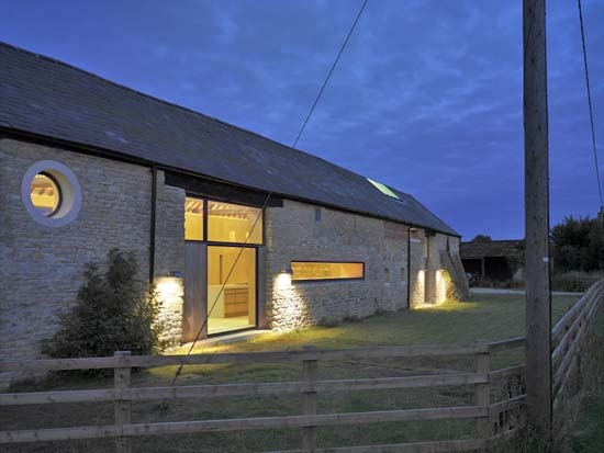 Life in the old barn yet: Simon Conder's modernism meets rural vernacular.