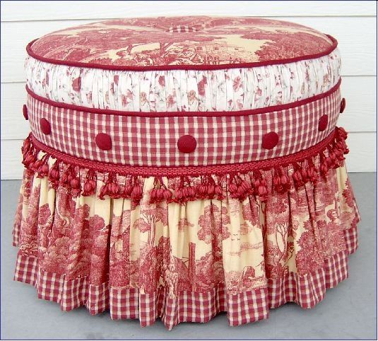 red and white hassock...: Idea, Rocks Chairs, Red, Color, Shabby Chic, Ottomans Empire, French Country Style, Foot Stools, Footrest