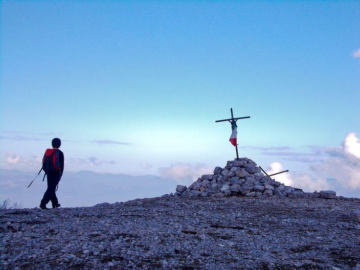 Monte Semprevisa da Pian della Faggeta | I montagnini