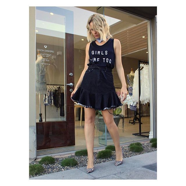 Back. In black 🔝🔝 🔝 #weekendvibes sorted @anotherlove in #zoekarssen tank and cutest ever #zimmermann skirt #denimxheelscreative ⠀  .⠀⠀⠀⠀⠀  .⠀⠀⠀⠀  .⠀  .⠀  .⠀⠀⠀⠀⠀  .⠀⠀⠀⠀⠀  #fashion#stylist#wiw#instafashion#instastyle#fashiongram#gcstyle#styleguide#fashionconsultant#australianstyle#fashiondiaries#style#fashioninfluencer#mystyle#ootd#black#stylediaries#mothersday#goldcoastshopping#whatiwore#anotherlove#personalstylist#personalstyle