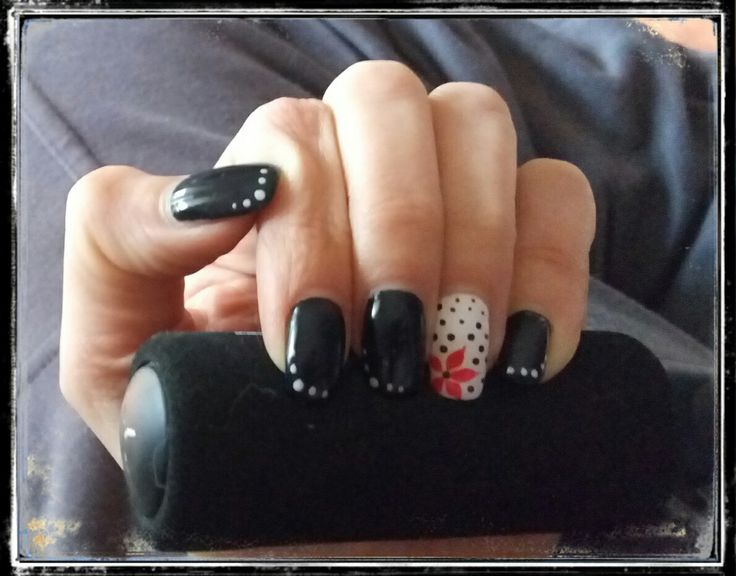 Nails flower red and black pois