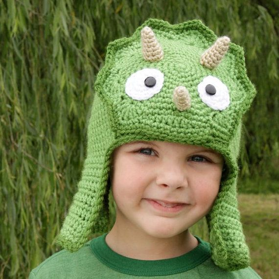Crochet dinosaur beanie - Too cute!  Maybe I could make the head part into a pillow for Ian's dinosaur room...