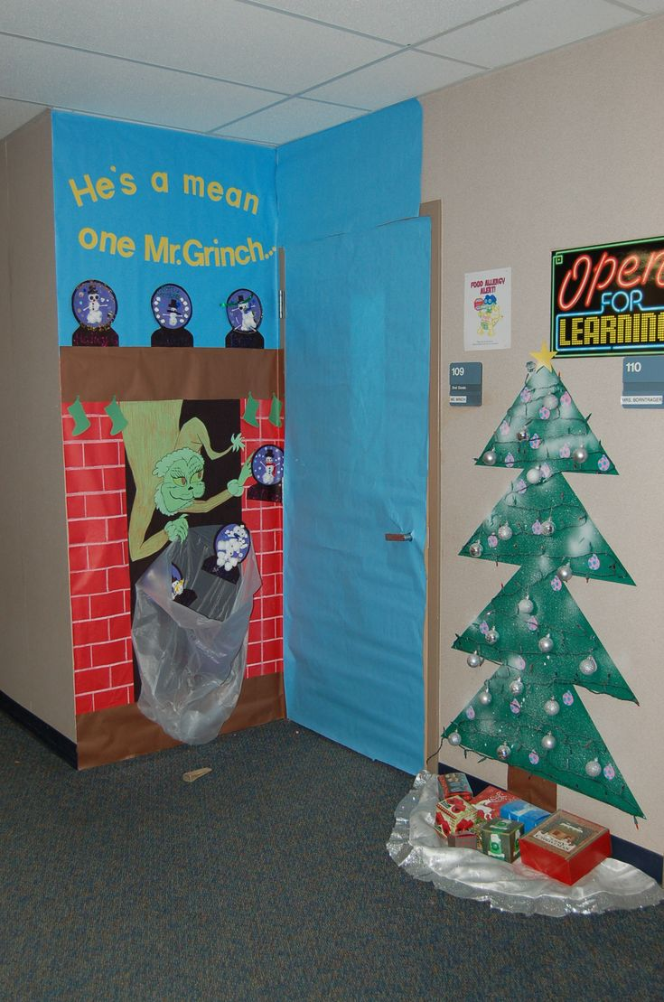 Door Decorations For Spanish Class - Mr grinch door