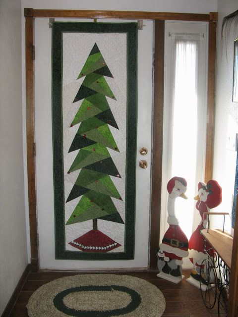 """MooseStash Quilting: """"Twis"""" the Day Before Christmas..."""