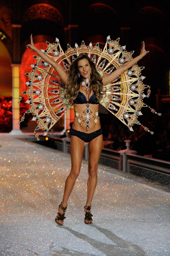 alessandra...coolest wings ever.