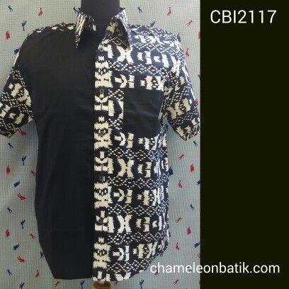 Kemeja batik pria kombinasi casual style.  Material : batik cap garut halus dan 100 % cotton poplin, chambray, denim, softjeans.  Model casual style modern energik dan elegan. Bahan berkualitas, jahitan butik rapi membuat nyaman dipakai.  Size : S M L XL * IDR 140.000 OPEN RESELLER  Order/details/produk lain: Call/sms/wa 08156700691  Pin bbm 7C128A79  www.chameleonbatik.com