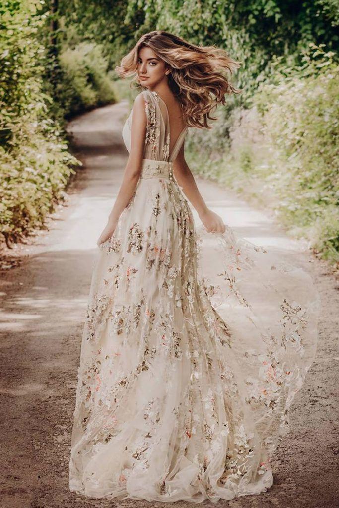 Estos son los cincuenta vestidos de novia con flores más bonitos del 2019 : Fia…