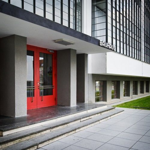 AD Classics: Dessau Bauhaus / Walter Gropius   ArchDaily