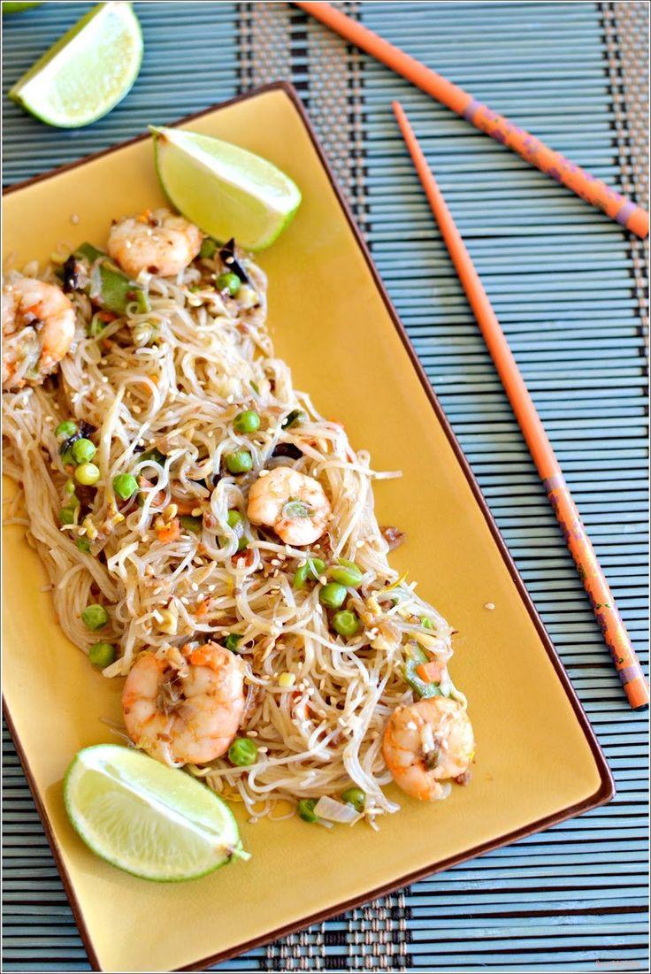 Pad thai de camarão - http://gostinhos.com/pad-thai-de-camarao/