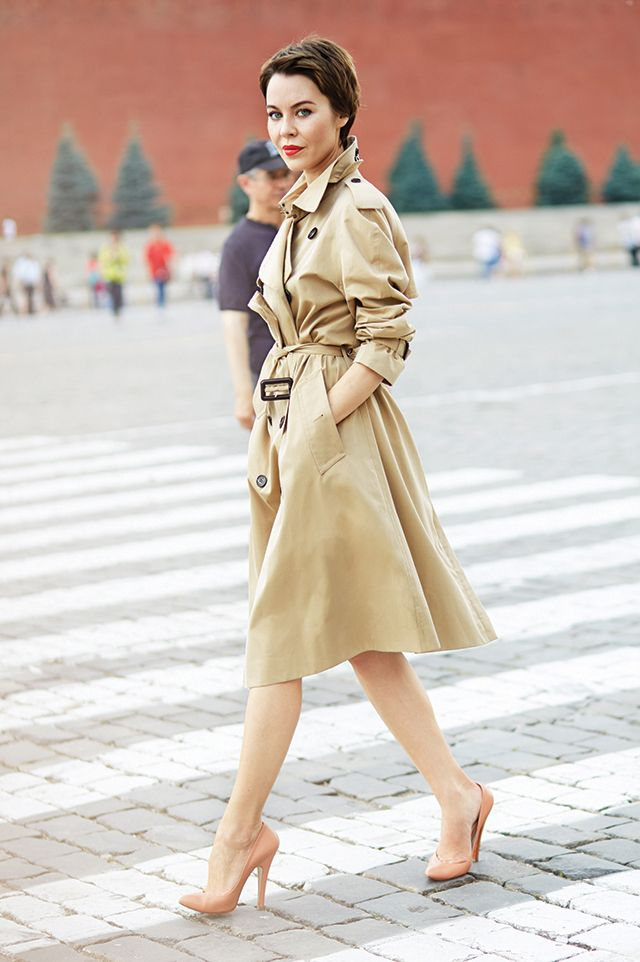 Ulyana Sergeenko in Moscow (with the Kremlin in the background). Trench: Burberry. Photo: Jon Cardwell.