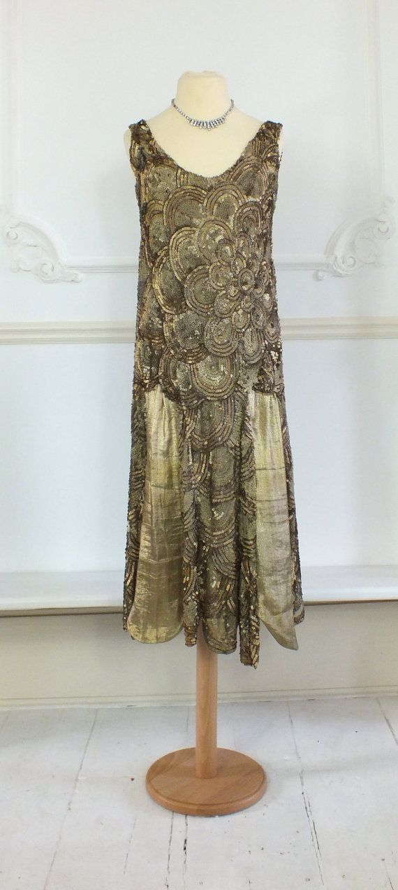 Lovely 1920s gold sequin dress with gold lame par PenniesLondon, £895.00