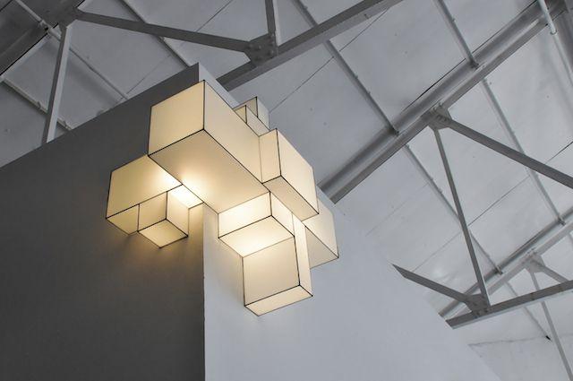 Lampes flexibles et adaptables en forme de blocs cubiques-  Marc Trotereau