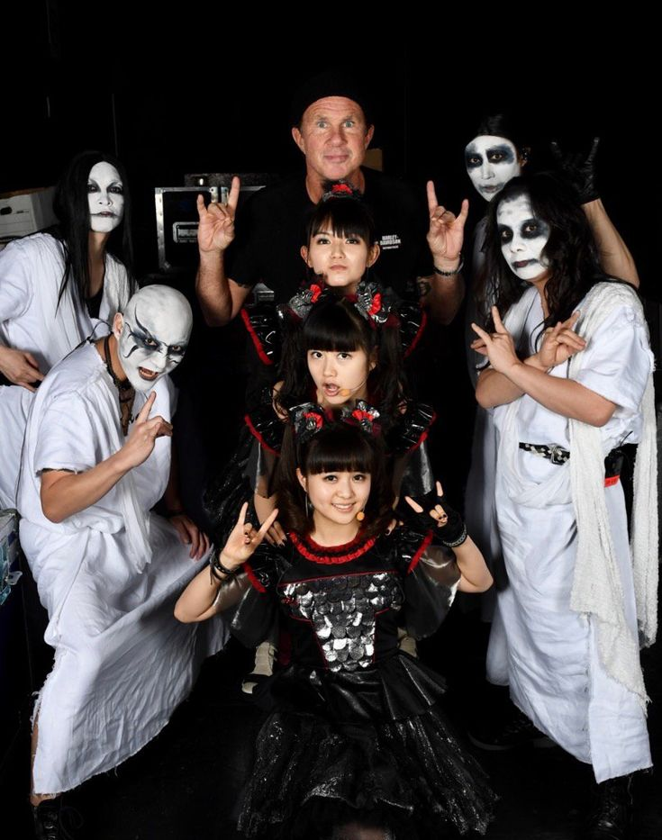 """Chad Smithさんのツイート: """"London,come early to our last show w Baby-metal. U Might see a new member https://t.co/mjO7EmHido"""""""