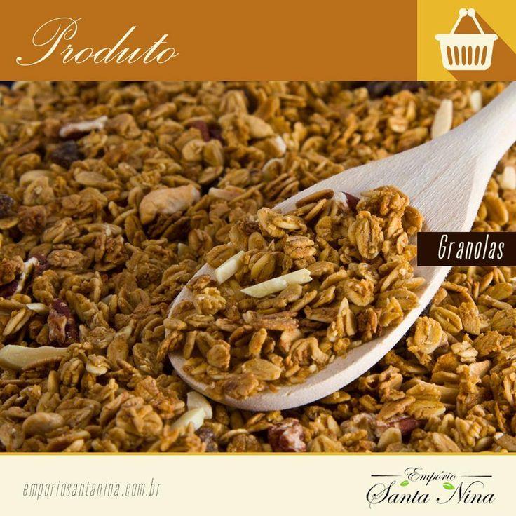 Você sabe se granola engorda ou emagrece? É bem verdade que a granola possui um alto valor calórico, mas, ao mesmo tempo, pode trazer uma série de benefícios para o corpo, evitando câncer,doenças intestinais e prevenindo contra o envelhecimento precoce, além de, sim, emagrecer! O ideal para aproveitar os benefícios da granola sem aumentar o peso é consumir cerca de 20g (uma colher e meia de sopa) ao dia, sempre adicionada a alimentos com baixo teor calórico.