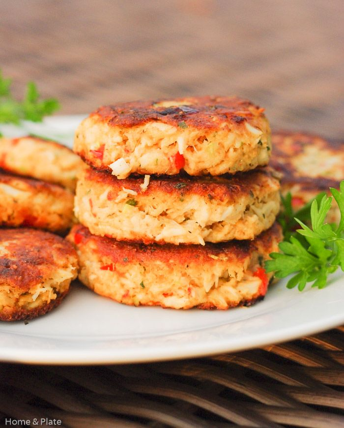 Classic Old Bay Crab Cakes with Roasted Red Peppers http://www.homeandplate.com/blog/2015/classic-old-bay-crab-cakes-with-roasted-red-peppers