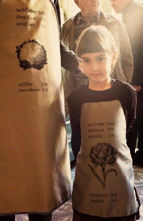 Tο  ''CIRCULO '' και την Αλεξία θα βρέιτε   στο facebook :   Circulo Baby Clothing & Accessories  και στο email:   circulo@hotmail.gr