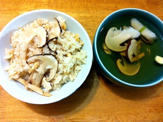 松茸尽くし〜✨ あと焼き松茸もいただきました♩ - 4件のもぐもぐ - 松茸ご飯と松茸のお吸い物 by moeyun