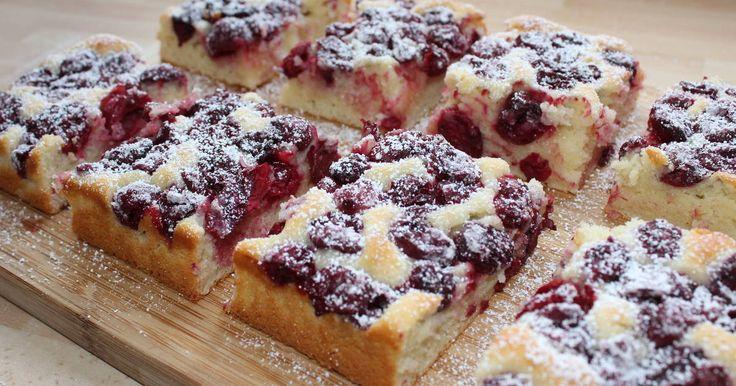 Mennyei Joghurtos-meggyes piskóta recept! A joghurtos-meggyes piskóta egy kellemes, frissítő sütemény, amit bármilyen más gyümölccsel is elkészíthetünk.