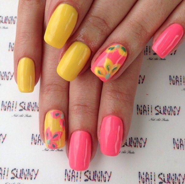 flower nail art, Holiday nails, Nails with flowers, positive nails, Summer fashion nails 2016, Summer nails 2016, Summer nails ideas, Two-color nails