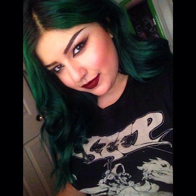 Jenny is wearing MANIC PANIC Green Envy. #hairdye