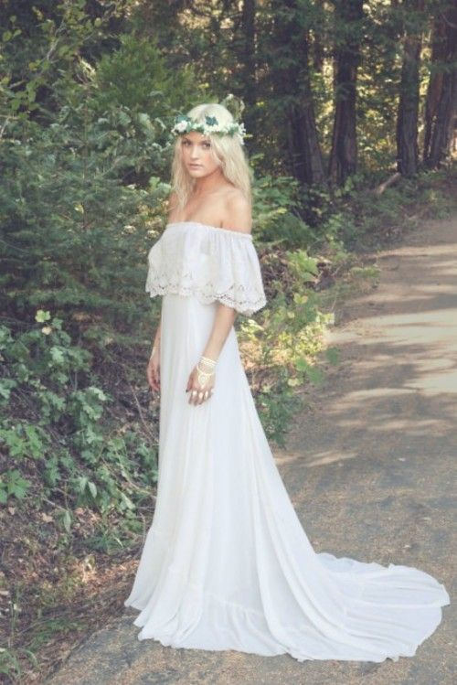 Gorgeous strapless bohemian wedding dress