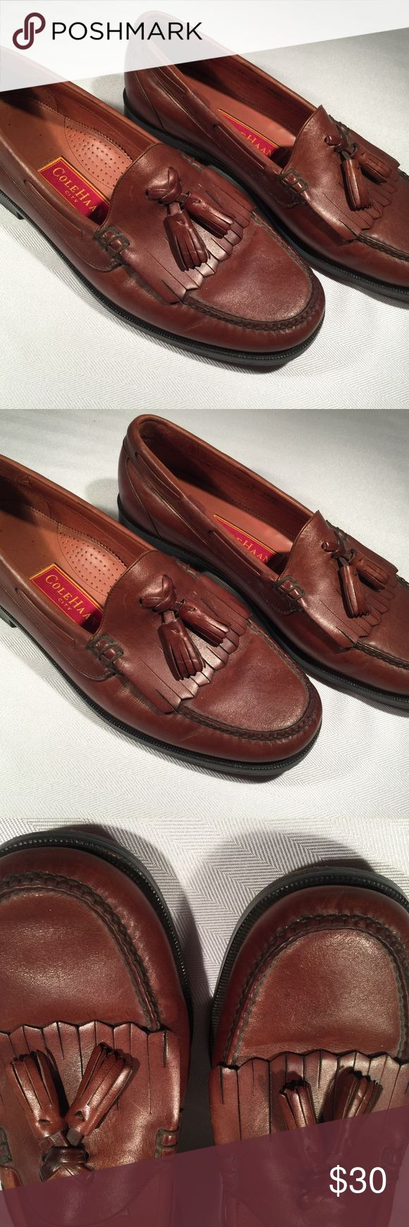 Cole Haan Brown Slip on Loafers Tassel in Men SZ11 Brand- Cole Haan Item- Mens slip on dress shoes with tassels  Size- 11 D Color- Brown Condition- Good Condition light wear    View all pictures Cole Haan Shoes Loafers & Slip-Ons
