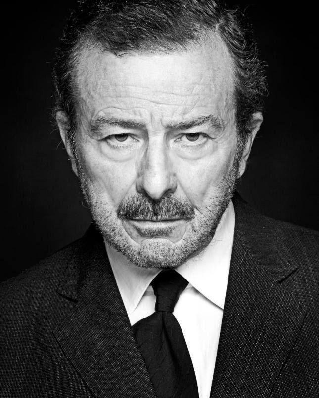 Juan Diego (Bormujos, Sevilla, 14 de diciembre de 1942), actor español.