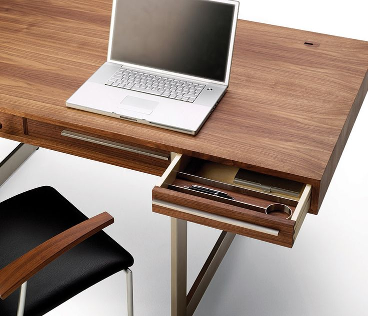 Luxury Modern Desks   DM1340   Wharfside