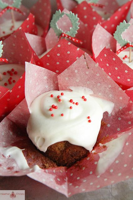 Gingerbread Cupcakes with Vanilla Cream Cheese Frosting | Recipe