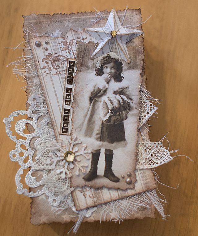 Min stora avkoppling är att papperspyssla, gärna i shabby chic-stil som passar den lantliga charmen i hemmet. Jag gör egna julkort, ...