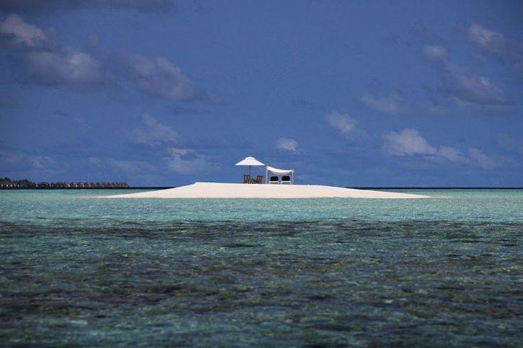 Наш медовый месяц   Вот бы сейчас вернуться на этот островок... Our honeymoon Оur island ________________________________  #beachlife #clouds #maldive #beach #island #beauty #sky #медовыймесяц #heaven #maldives #travel #maldivesislands #lovetravel #paradise #aroundtheworld #dreamscometrue #honeymoon #рай #nature #sea #отдых  #vacation #путешествие #мальдивы #dream #happylife #holidays #остров #tropical by mari__onlysky