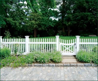 Custom Chestnut Hill Fence and Gate | Wood, Solid Cellular PVC and Vinyl Driveway, Estate and Walkway Gates from Walpole Woodworkers