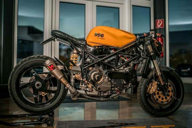 Ducati 996 custom Cafe Racer by NCT