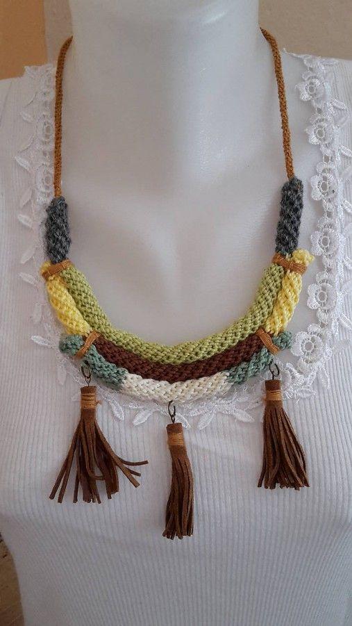 ElinorHandmade / Náhrdelník s koženými strapcami
