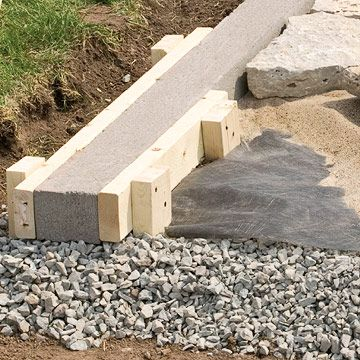 Installing Edging Patio Wall Installation Tips Techniques Patios Walkways Concrete Edgingdiy