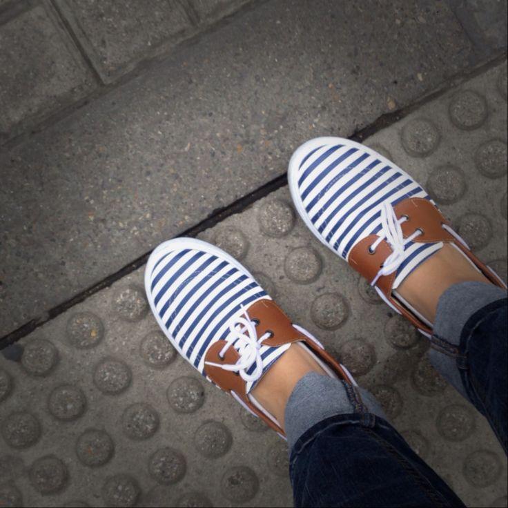 Zapatos, botas, bolsos y muchas cosas lindas en Lemon Tree Store como los que yo tengo! #industricolombiana #Industria 100% #colombiana #madeincolombia #bogota #medellin #shoes #tenis #bags #bolsos #zapatos #apoyando #colombia