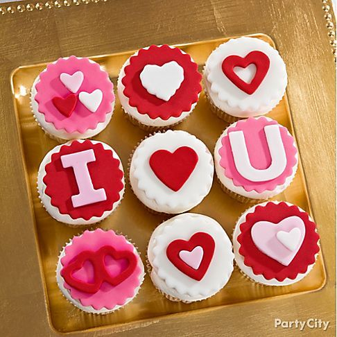 "Tongue tied? Let your cupcakes do the talking!  Spell out sweet sayings like, ""I ♥ you"" or ""Be Mine."" :)"