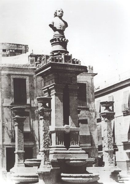 Plaza Sta. Eulalia. Murcia. Monumento a Salzillo, de Francisco Ródenas
