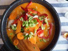Pollo al curry rojo tailandés. Si te gustan los sabores exóticos, no dejes de probar esta sensacional receta que nos comparten desde el blog El Restaureante del fin del mundo.
