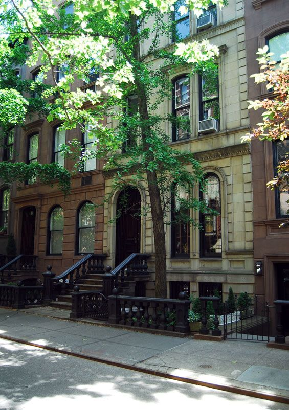 """Jennifer Lopez's Brownstone in """"The Back-up Plan"""" According to On the Set New York, it's only two doors down from Carrie Bradshaw's apartment in """"Sex and the City"""" (70 Perry Street and Bleecker Street in Manhattan)."""